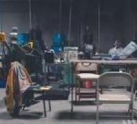 青岛服装小加工作坊的裁床工序