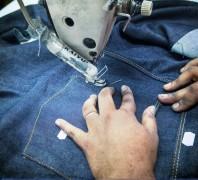 青岛服装换标加工厂:服装的生产工序介绍