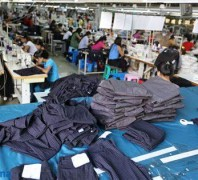服装加工厂:避免产能过剩